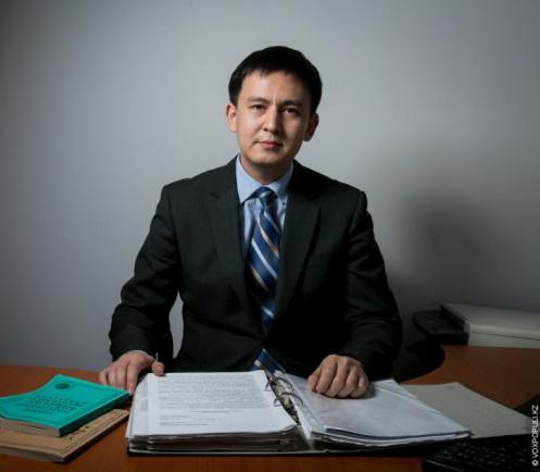Адвокат Джохар Утебеков. Фото с сайта voxpopuli.kz