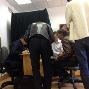 Финполовцы проводят обыск. Фото со страницы в Facebook Саната Урналиева.
