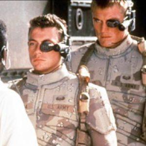 """Фильм """"Универсальный солдат"""" теперь выглядит как пророчество - чипы сделают вояк более живучими."""