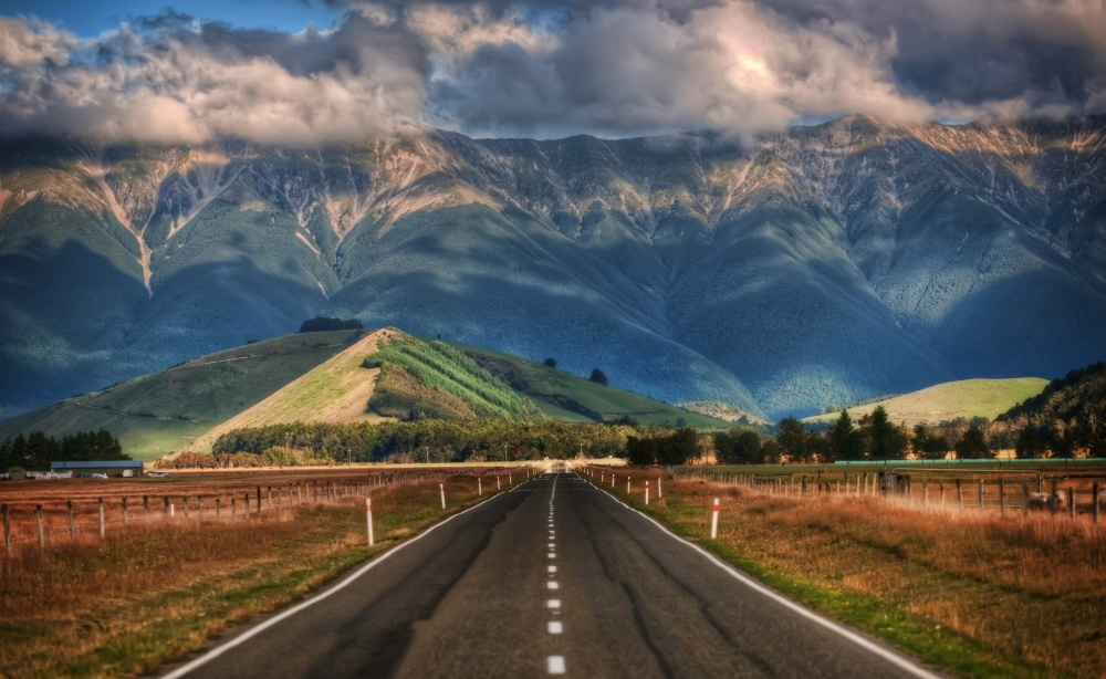 Обычная дорога в Новой Зеландии.