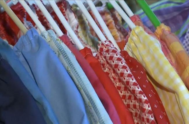 8218510-R3L8T8D-650-dresses-for-needy-children-lillian-weber-7