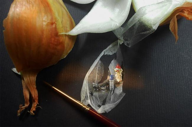 6386510-R3L8T8D-650-tiny-painting-food-hasan-kale-12