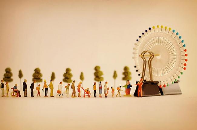 7942460-R3L8T8D-650-miniature-calendar-dioramas-tanaka-tatsuya-27