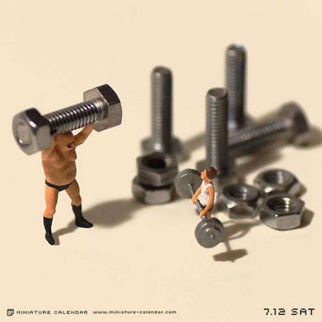 7942660-R3L8T8D-650-miniature-calendar-dioramas-tanaka-tatsuya-2
