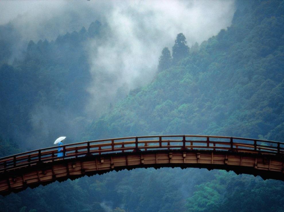 8258710-R3L8T8D-990-kintai-bridge-yamaguchi-prefecture-japan