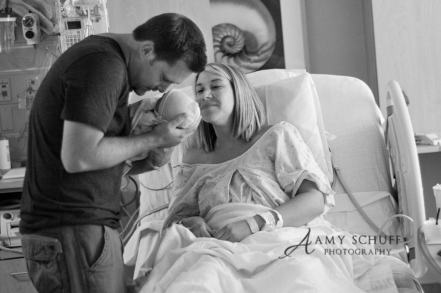 8718510-R3L8T8D-900-roseville_newborn_birth_photographer_web
