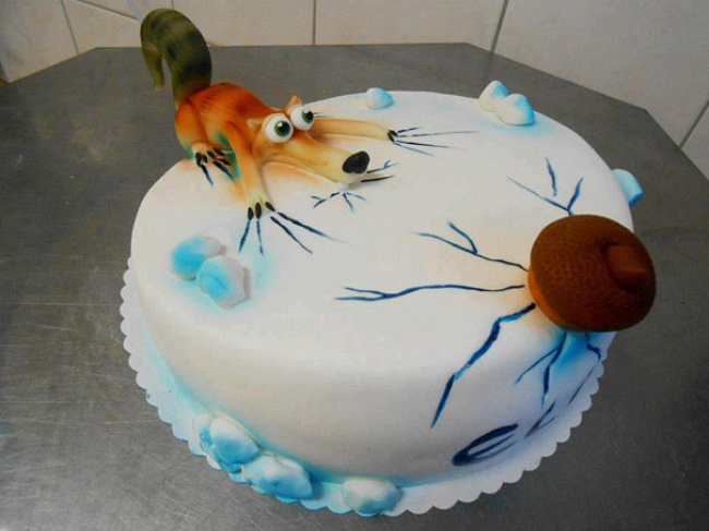 9190560-R3L8T8D-650-creative-cakes-17__605