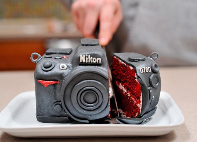 9195110-R3L8T8D-650-creative-cakes-5__605