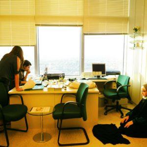 muslim-pray-in-office