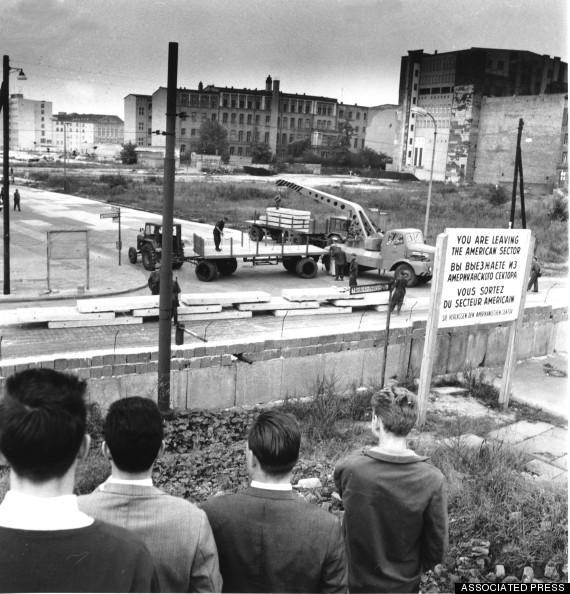 Вельгельм-штрассе, Берлин, апрель 1961 г. (AP Photo/Eddie Worth, File)