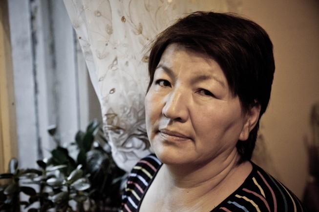 . Камилла, 45-летная посудомойка одного из популярных заведений столицы,  приехала два года тому назад из Тараза.