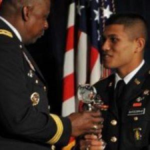 """Сержант Сарал Шреста - мигрант из Непала, получивший титул """"Солдат года"""" за доблестную службу в американской армии"""