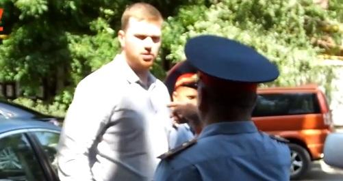 Полиция Алматы через суд требует объявить Александра Кузнецова в розыск