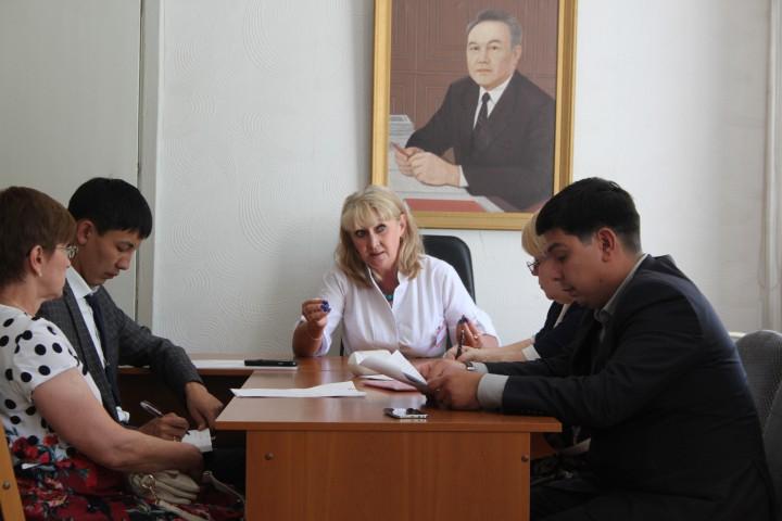 Наталья Чехонадская (в центре)