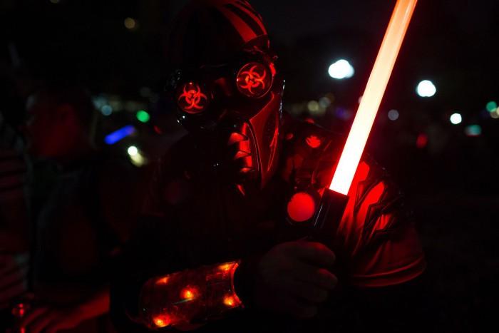 NYC Lightsaber Battle 07