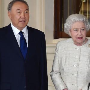 Назарбаев и Елизавета II. Источник - akorda.kz