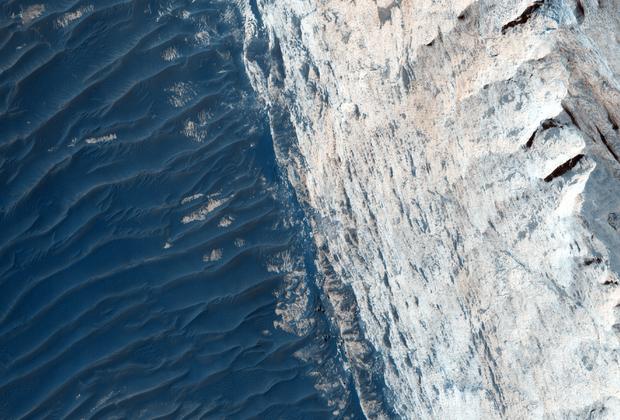 Каньон Офир Фото: University of Arizona / JPL / NASA