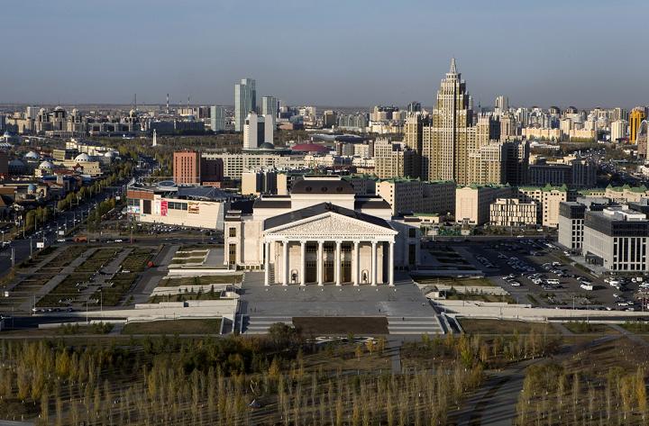 Китай может рассматривать Астану в качестве центрального узла на Новом Шёлковом Пути. Фото Шамиль Жуматов