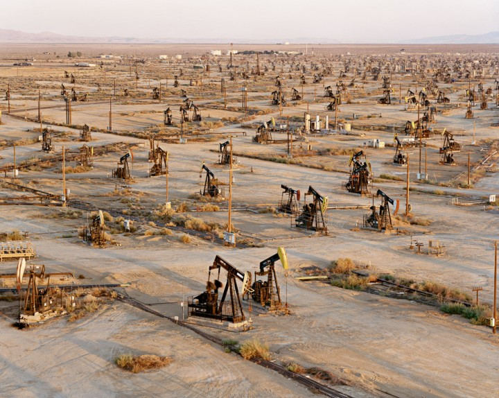 photoforager-oil-fields-19a-belridge-california-usa-2003