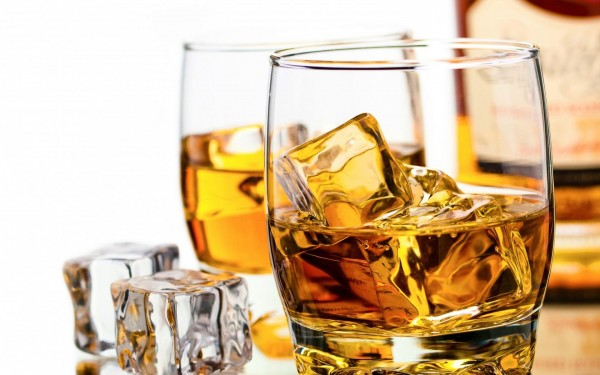 viski_bokaly_led_kubiki_butylka_1680x1050[1]