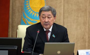 Б. Измухамбетов. Источник - realnews.kz
