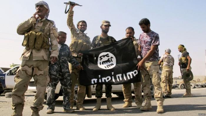 """Трофейный флаг """"Исламского государства"""""""