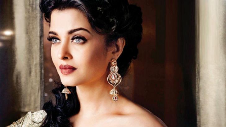 Эротические сцены индийских актрис фото 179-138