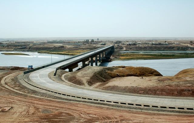 Мост через реку Пяндж
