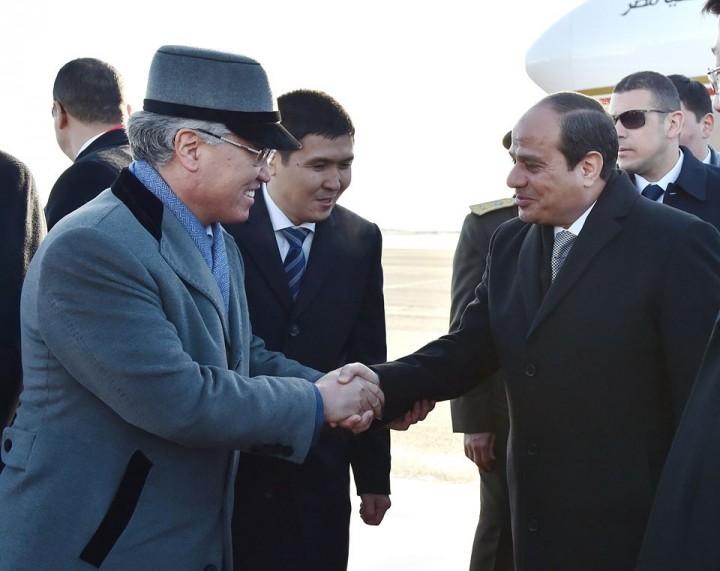 Министр культуры РК встречает президента Египта