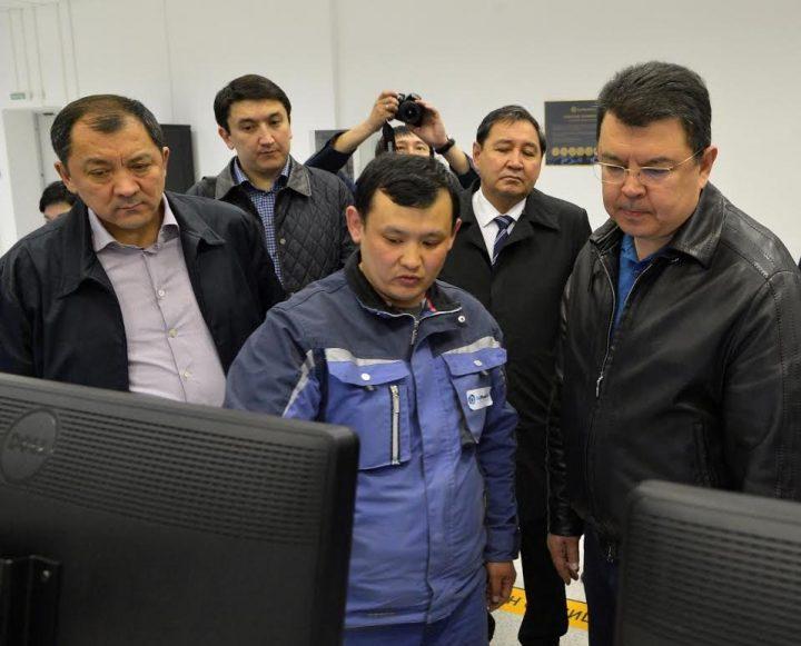 Министр и аким на Атырауском НПЗ
