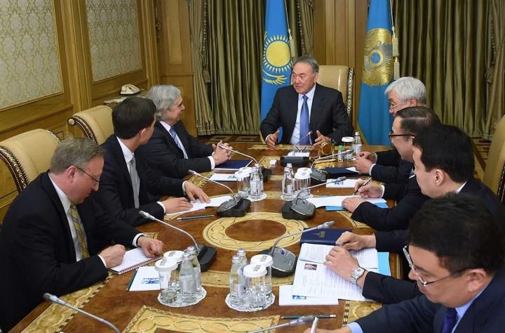 назарбаев и мониз