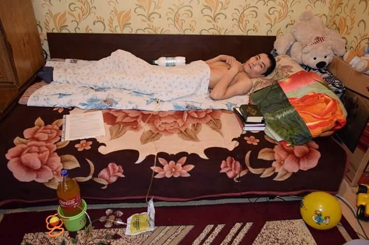 """Нурлан Сыздыков. Фото со страницы """"Помогите Нурлану"""" в Facebook"""