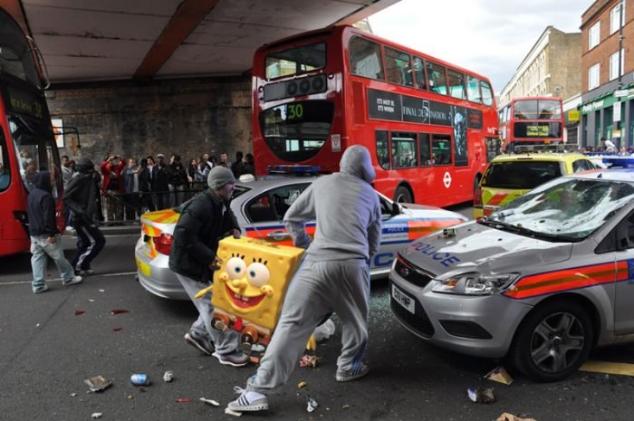 london-riot2