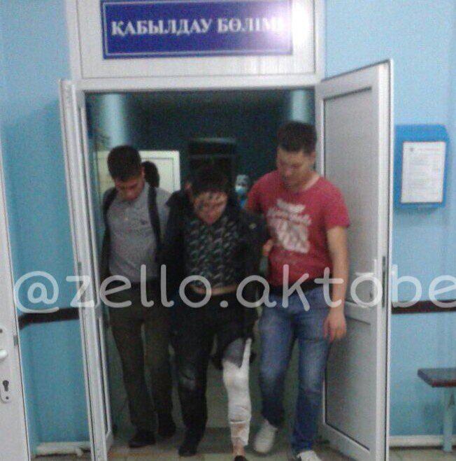 Распространяемое в соцсетях фото раненого в ногу якобы Алибека Акпанбетова