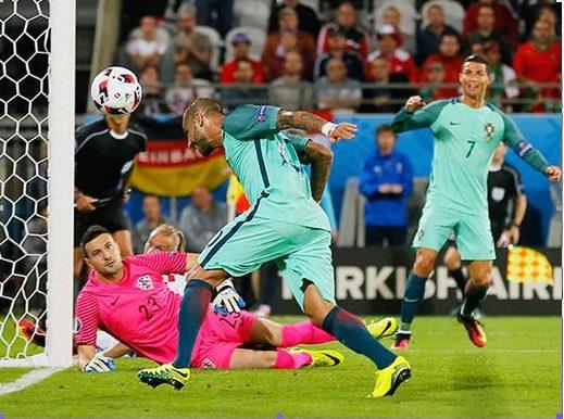 Гол Куарежмы шедевром не назовешь, но сборная Португалии в 1/4 финала