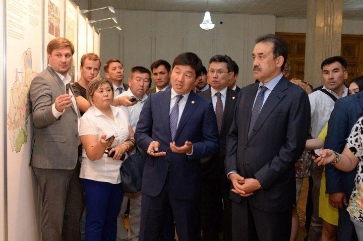 Бауыржан Байбек представил Кариму Масимову обновленный генплан развития Алматы