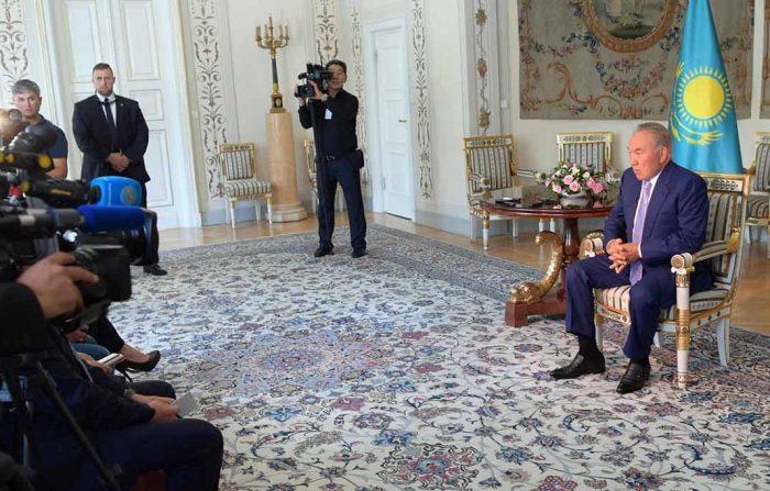 Назарбаев предложил Польше транспортное сотрудничество сРФ