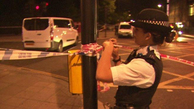 Полиция Лондона работает на месте инцидента. Источник - bbc.com