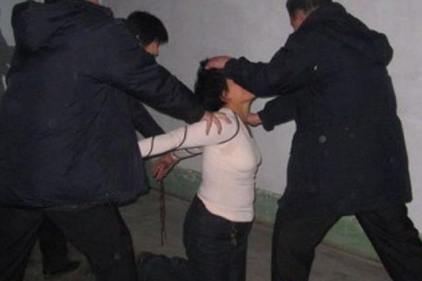 видео избиения киргизских девушек служителей