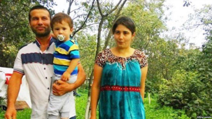 2-хлетний Владимир Путин с родителями