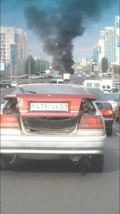 В Астане сгорела Газель