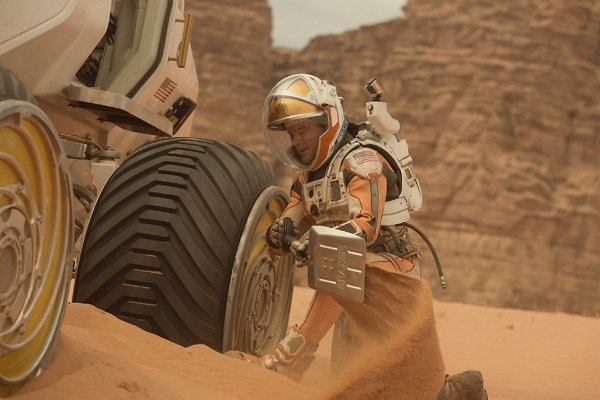кадр из фильма Марсианин