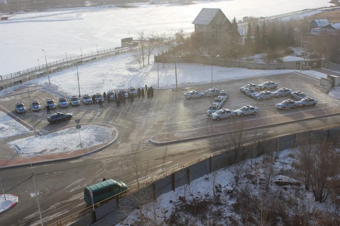 Полицейские-ровесники независимости выстроили цифру «25» вКостанае