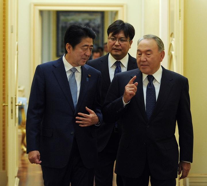 Нурсултан Назарбаев и Синдзо Абэ