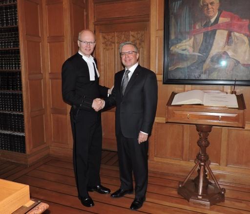канадский парламентарий и посол РК