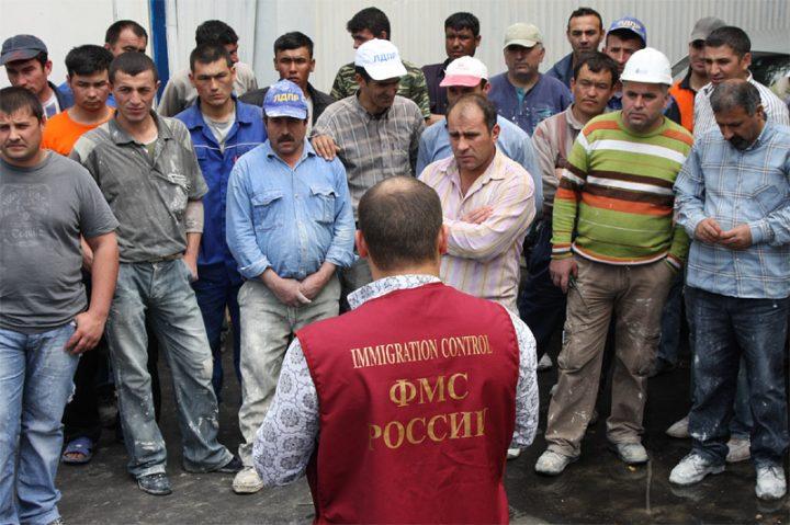 Мигранты из Средней Азии в России