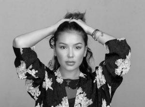 певица Макпал Исабекова