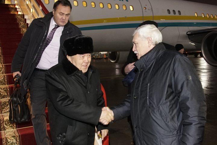 Назарбаев прилетел в Санкт-Петербург