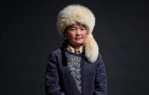 юная беркутчи из Монголии
