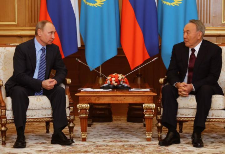 Путин иНазарбаев побеседовали внеформальной обстановке